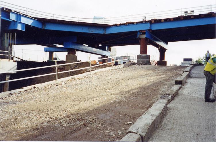 aLondon: Temporary Road Bridge Canary Wharf