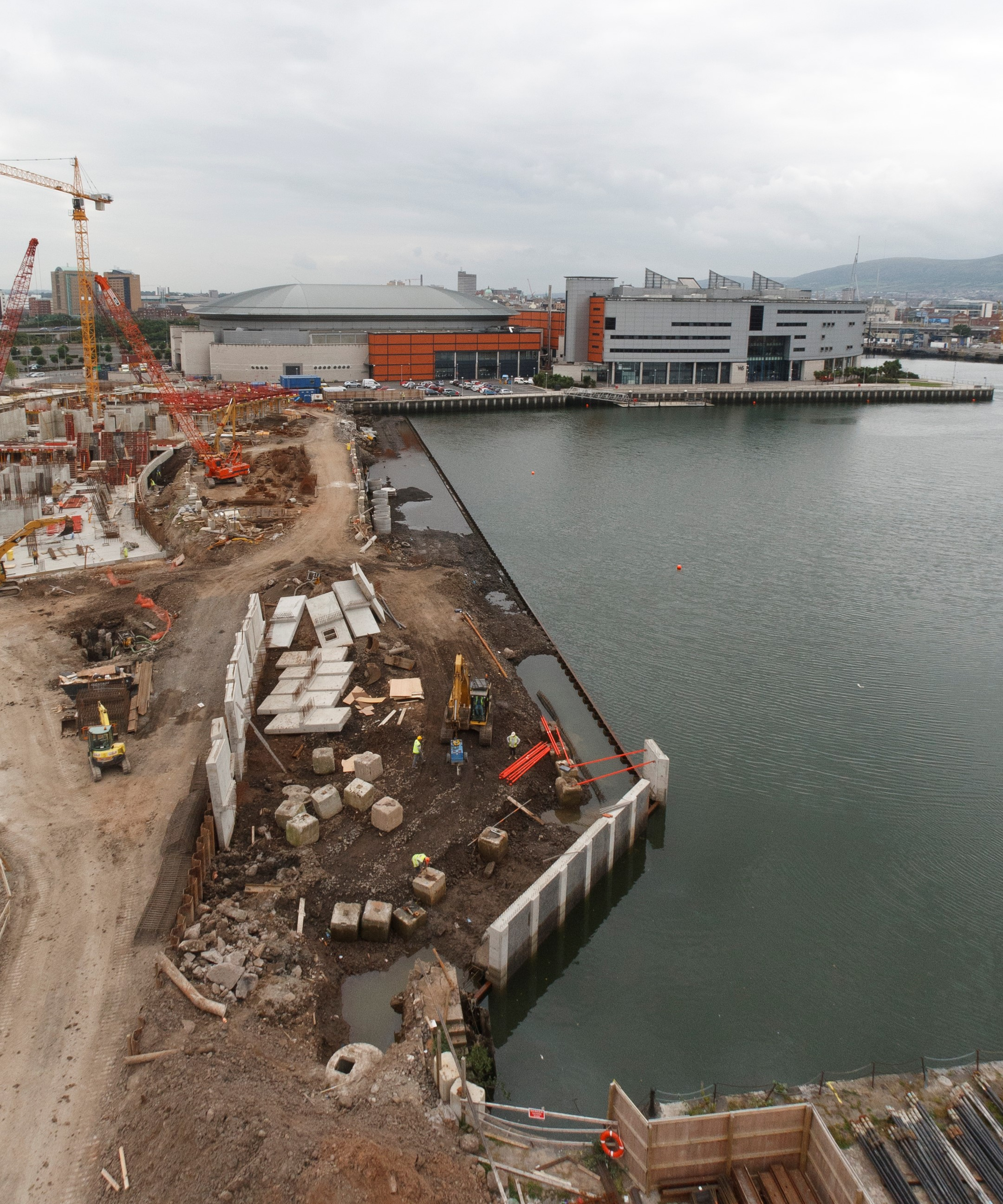 aBelfast: East Quay Wall - Titanic Quarter