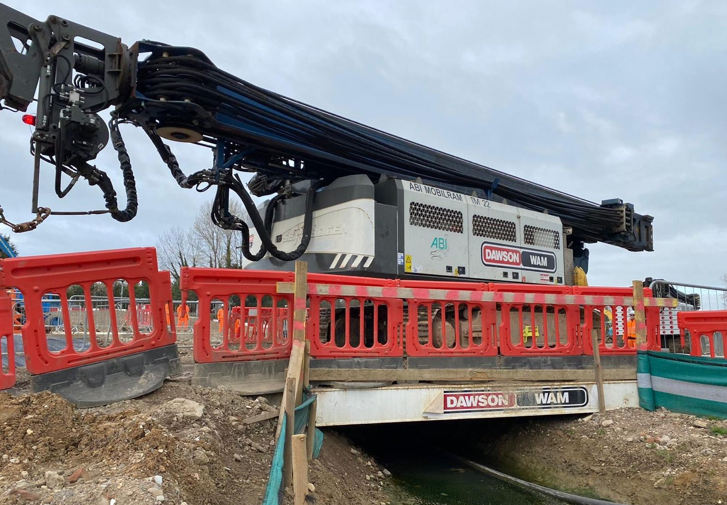 ABTI TM22s delivery HS2 Sheet Piling