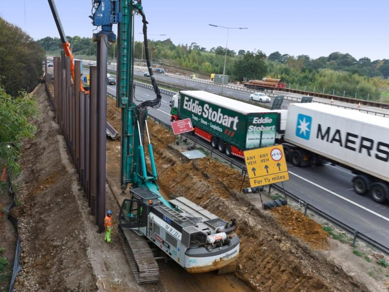 London: M25 Widening Scheme